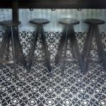 Zementfliesen im Bar