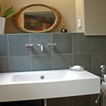 Badezimmer - graue Fliesen