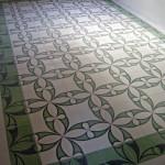 Grüne Fliesen aus Zement