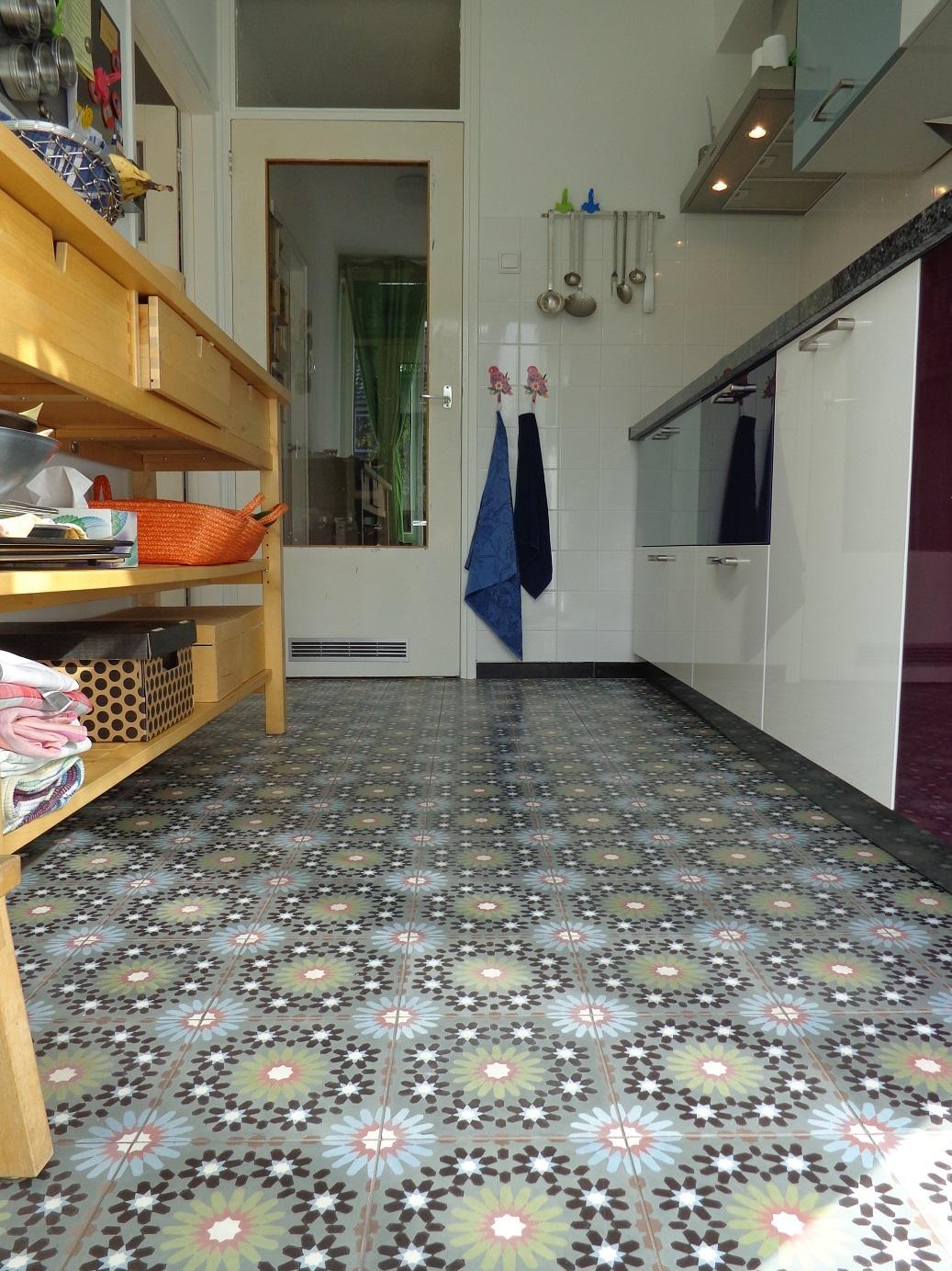 marokkanische mozaik zement fliesen. Black Bedroom Furniture Sets. Home Design Ideas